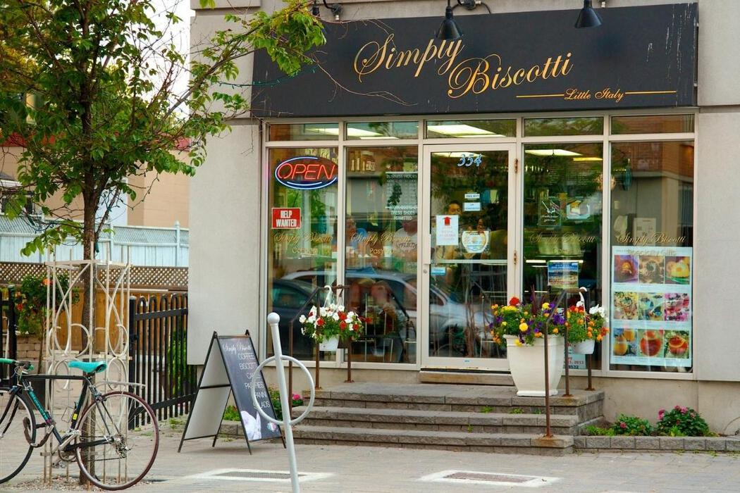 Storefront in Little Italy, Ottaw